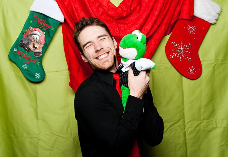 christmas-photo-booth-photographer-0423.jpg