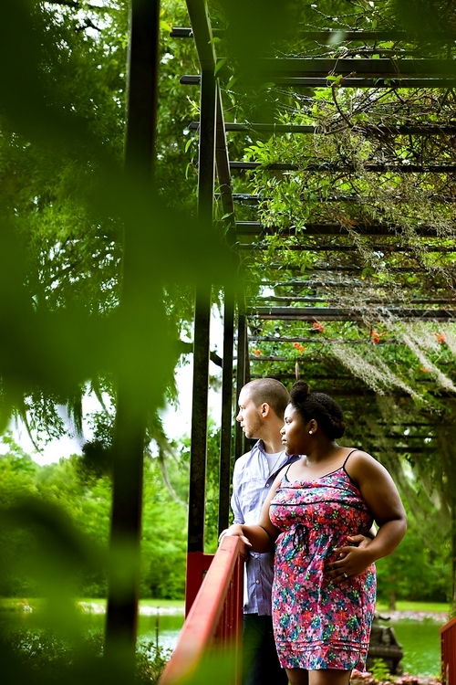alabama engagement photos taken in wetumpka at southern homes and gardens