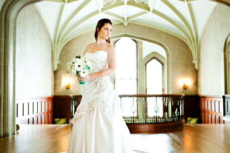 bride at CAllanwolde fine arts center