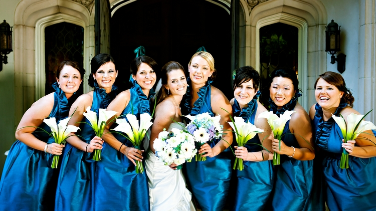 Bridesmaids in teal in front of Callanwolde Fine Arts Center in Atlanta, GA