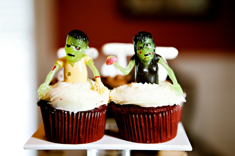 zombie wedding cupakes atlanta wedding photographers