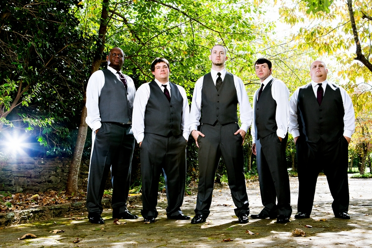 kick ass groomsmen at wedding photos