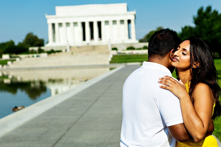 romantic engagement lincoln memorial