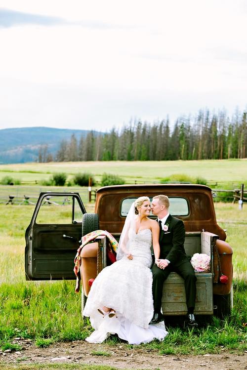 romantic wedding photographers devil's thumb ranch colorado
